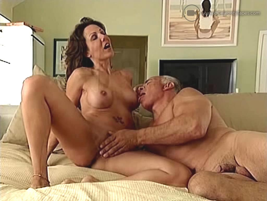 Amy Fisher pussy in leaked porn video