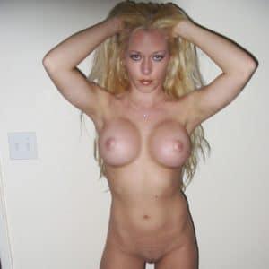 Kendra Wilkinson topless