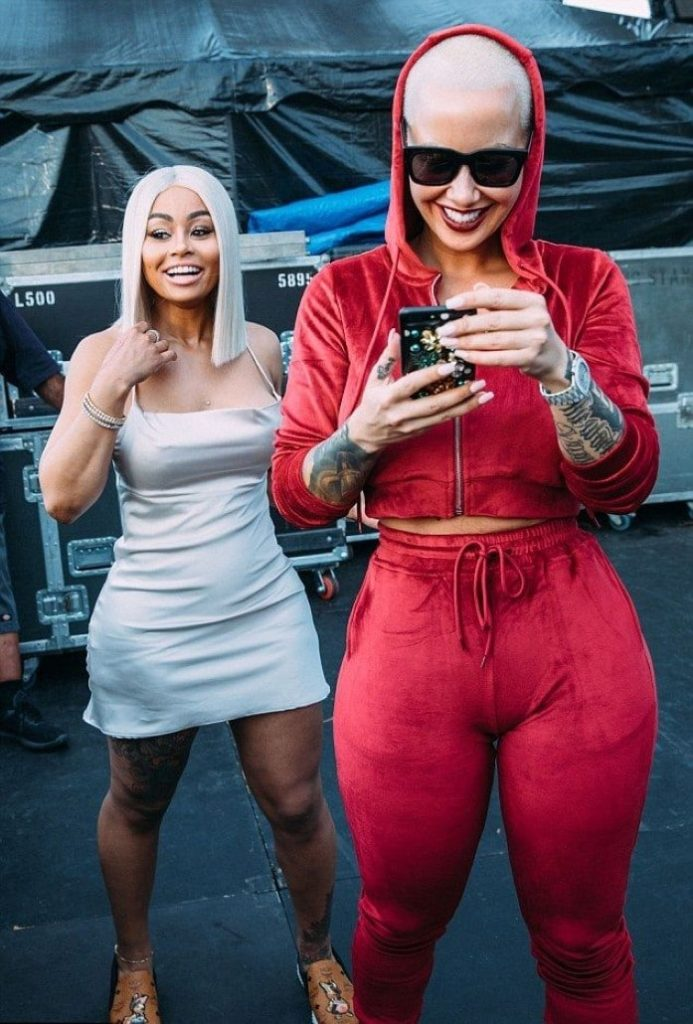 Blac Chyna and Amber Rose gold digger camel toe