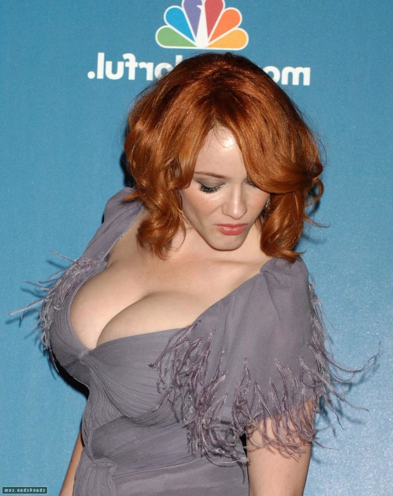 christina-hendricks-boobs
